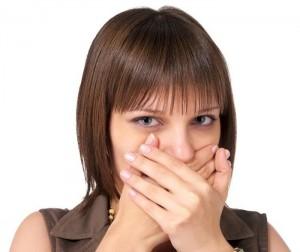 Зажатый рот и нос