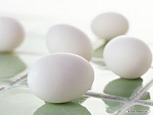 Отрыжка совсем не связана с яйцами