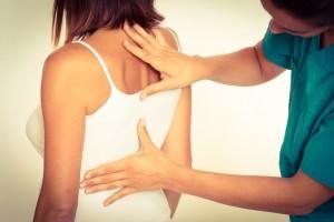 боль в грудине и в спине
