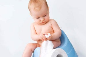 Черный кал у ребенка – причина ли для беспокойства?